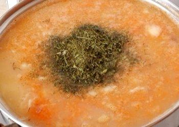 Гороховый суп с копченостями и тушенкой