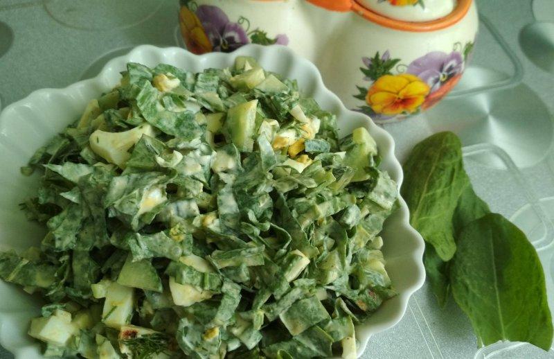 Салат из щавеля с яйцом и огурцом | Рецепт приготовления | Шаг 9