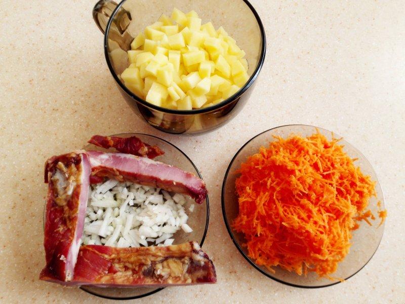 Гороховый суп с копченостями и тушенкой | Рецепт приготовления | Шаг 2
