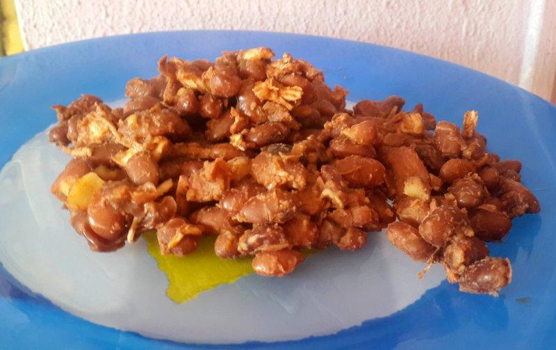 Тушеная фасоль с курицей | Главное фото блюда