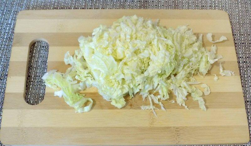 Легкий салат с курицей и пекинской капустой | Рецепт приготовления | Шаг 2