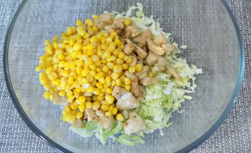 Легкий салат с курицей и пекинской капустой | Рецепт приготовления | Шаг 6