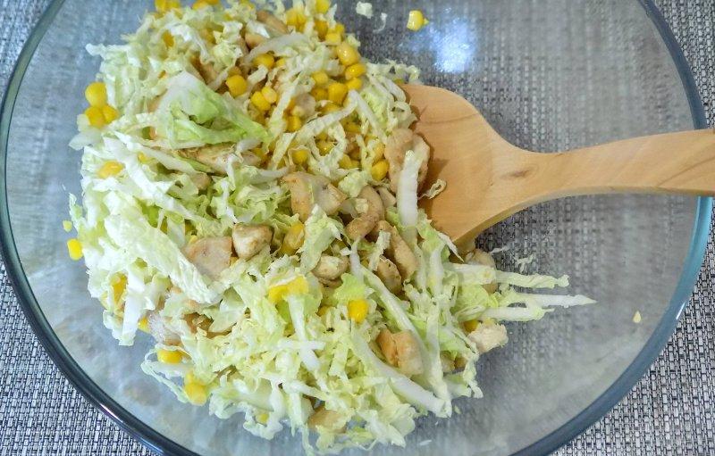 Легкий салат с курицей и пекинской капустой | Рецепт приготовления | Шаг 7